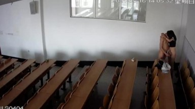 大学生男女教室啪啪啪被